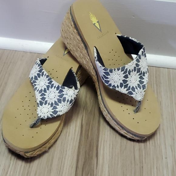 Volatile. Size 9. sandals